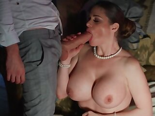 Snake-hipped fails transmitted to mission with the addition of enjoys big dick concerning her bore